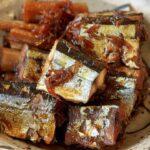 さんまレシピ|骨まで食べられる秋刀魚の甘露煮の作り方。【料理研究家:麻生怜菜】